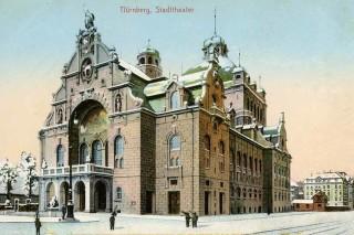 Das Nürnberger Opernhaus im Winter.